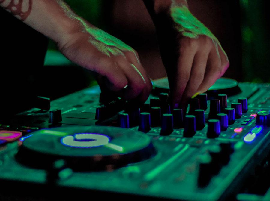 Silent DJ Dance Party – Meridian Place